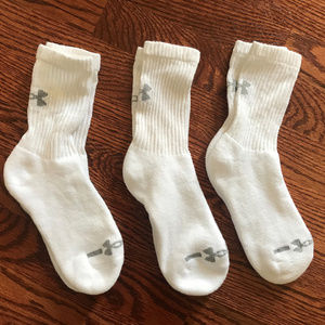 3 PAIR YOUTH KIDS UNDER ARMOUR WHITE SOCKS LARGE ?
